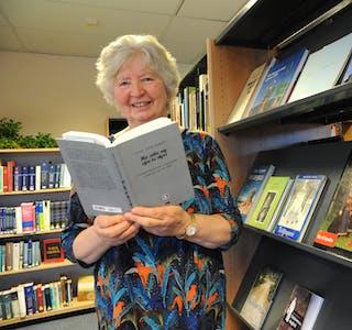 KVINNER I BALLADANE: Sigrid Aksnes Stykket har fordjupa seg i kvinner i gamle balladar. Det har blitt til boka «Ho sette seg sjav te styre. Kvinneframstilling i balladar gjennom tid og rom».