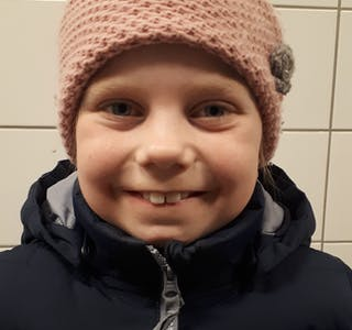 BARNEPRAT: Sigrid Elisabeth fyller 10 år i dag og Bø blad gratulerer så mykje. Foto: Øystein Akselberg