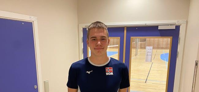 TRAVEL MÅNED: Endre Tvinde (15) skal både spele med ungdomslandslaget og eliteserieklubben Asker i løpet av oktober.