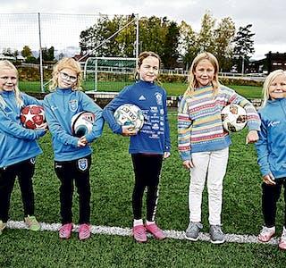 211014 GG FFO-jenter fem niåringer på FFO Sara, Maria, Margit, Eilei, Mildred 0467