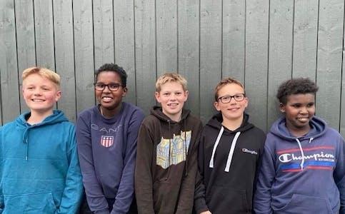 ARTIG: Gutegjengen Mathias Rønningen (f.v.), Ismail Hellestad, Markus Kåsa Lunder, Tor  Hynne og Yasiin Hellestad synest det er gøy å vere med på Allidretten.